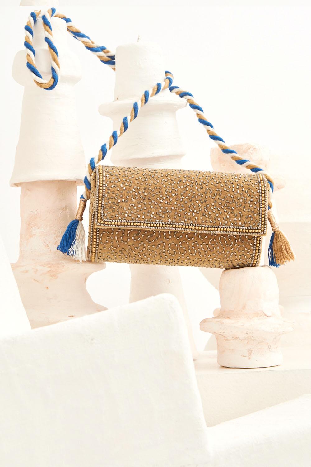 Minaudière brodée de perles Wolvy - Sable - Antik Batik (photo)