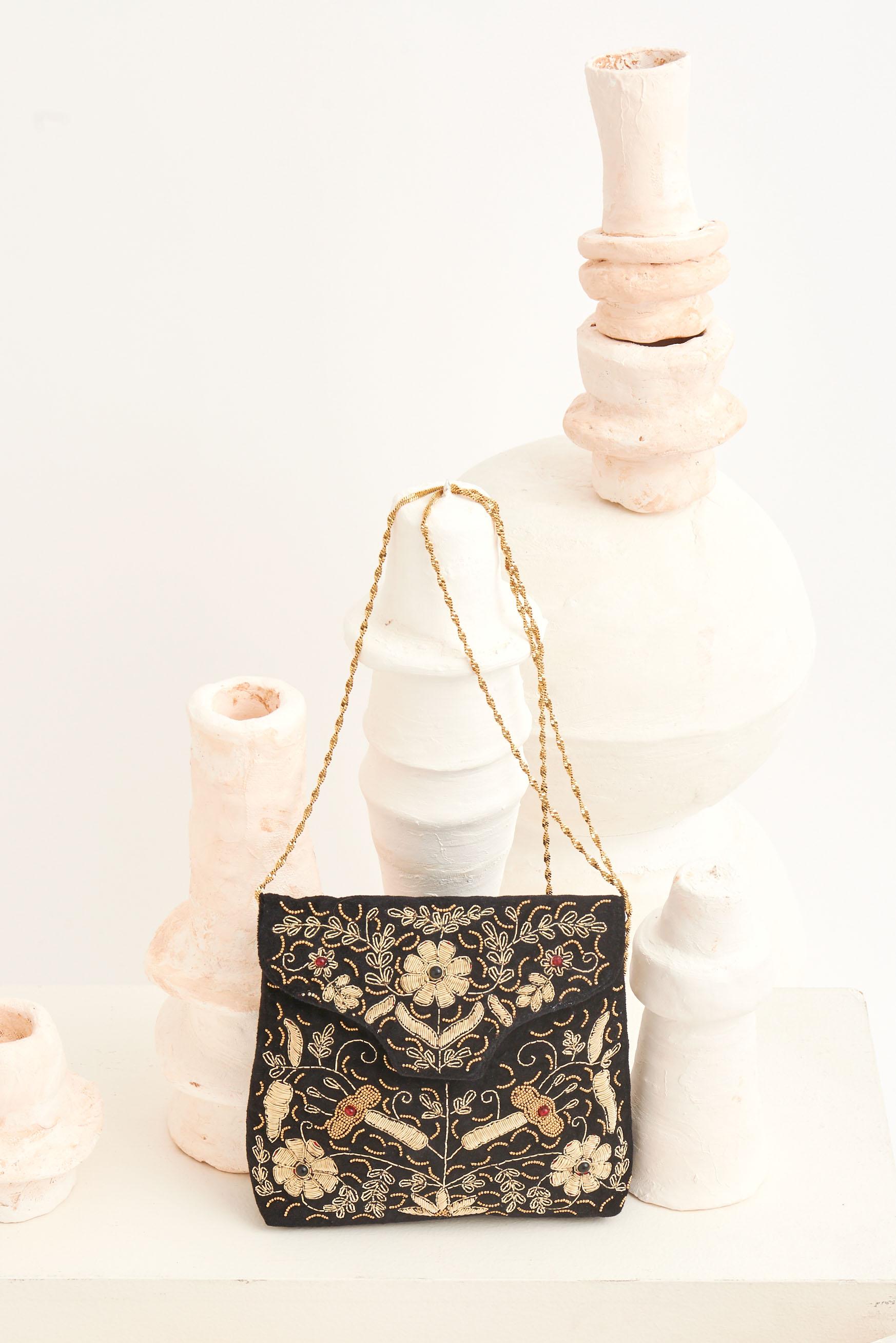 Pochette brodée de fleurs Zary - Antik Batik (photo)