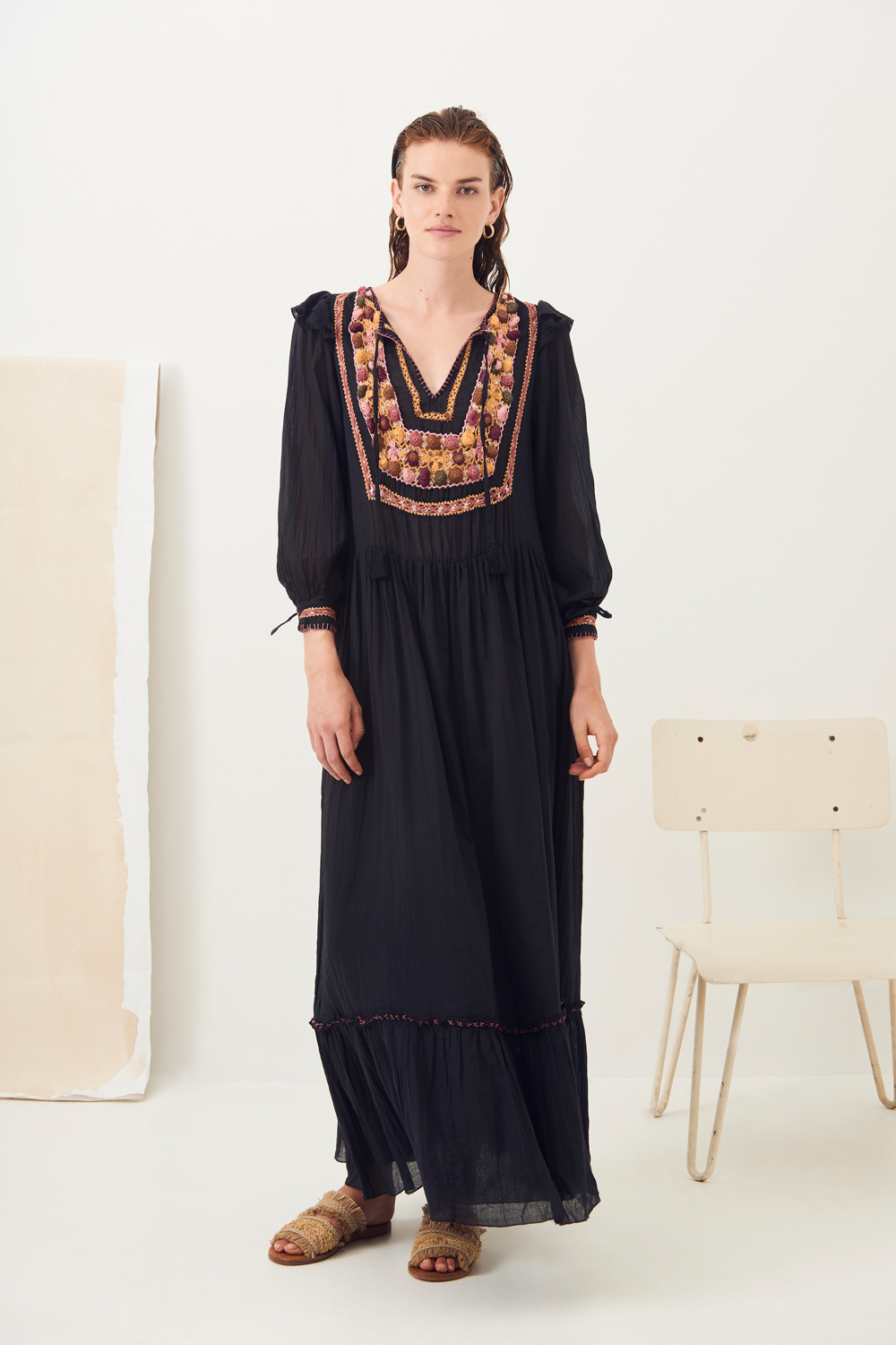 Robe longue fluide crochet Lova - Noir - Antik Batik (photo)