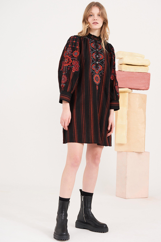 Robe courte brodée Cami - Noir - Antik Batik (photo)