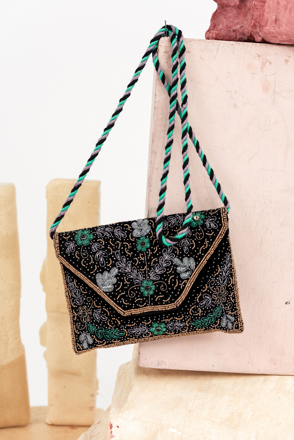 Pochette brodée Myriam - Antik Batik (photo)