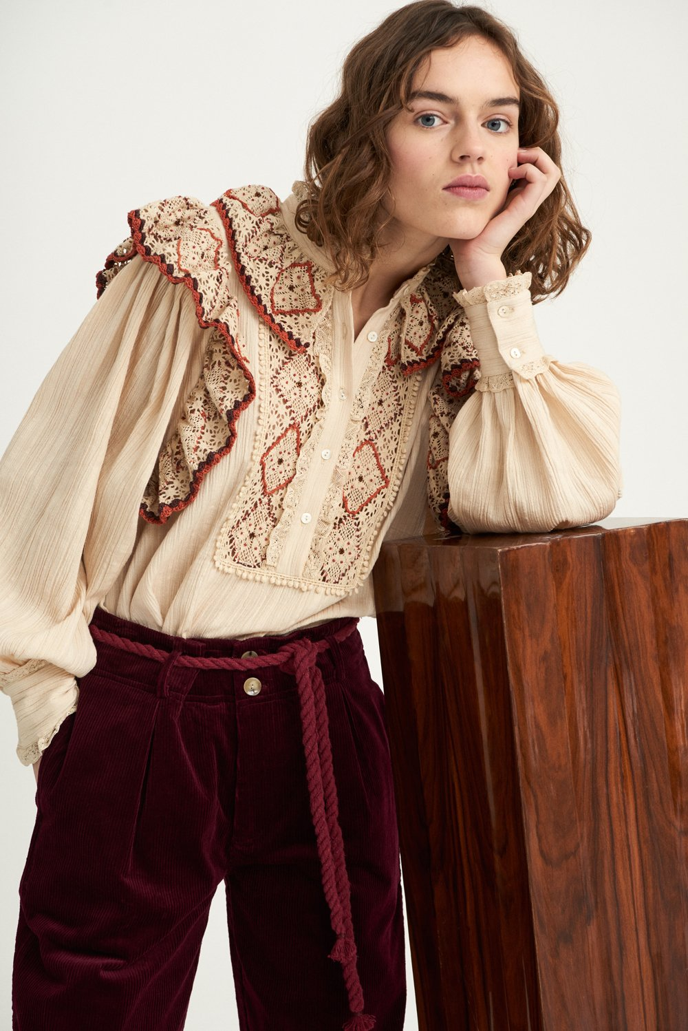 Blouse brodée en crochet Lucie - Beige - Antik Batik (photo)